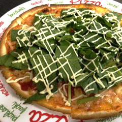 エビとほうれん草のピッツァ 980円